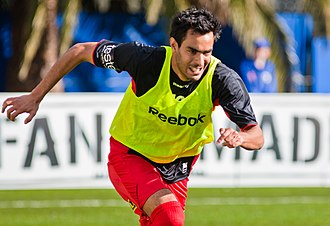Marcos Flores - Flores warming up with Adelaide United in 2010