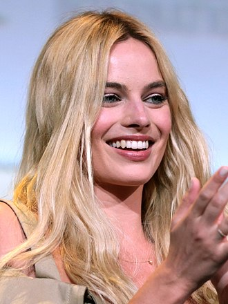 Margot Robbie - Robbie at the 2016 San Diego Comic Con