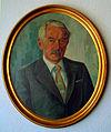 Max Müller 1904 - 1987 ovales Portraitgemälde in Rahmen an Bürowand mit Schatten.jpg
