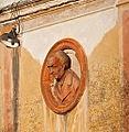 Medaglione in terracotta2.jpg