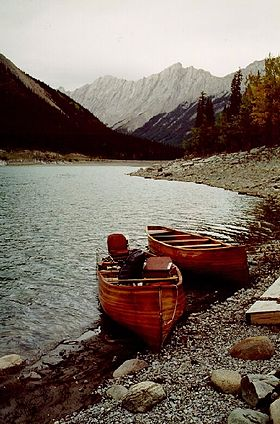 Cedar strip freighter canoe plans