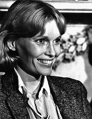 Farrow, Mia (1945-)