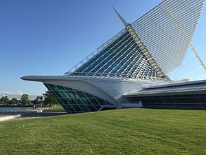 Milwaukee Art Museum from the North IMG 4149 (19482954144).jpg