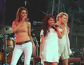 Monrose, 2009 (from left to right: Senna Gammour, Bahar Kizil, Mandy Capristo)