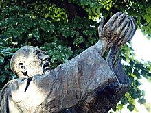 Monumento a Padre Pio 03.jpg