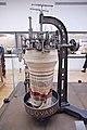 Musée des Arts et Métiers - Métier circulaire, mailleuses à deux systèmes (37317447630).jpg