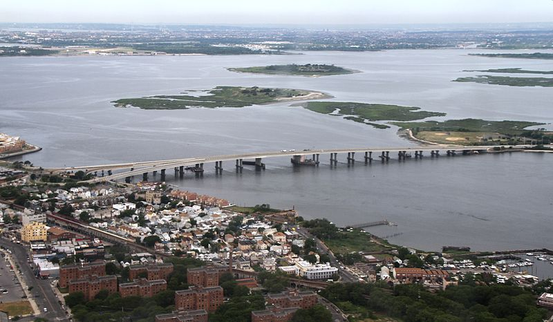 File:NY Jamaica Bay Broad Channel Cross Bay Bridge IMG 1985.JPG