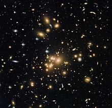 New Hubble view of galaxy cluster Abell 1689.jpg