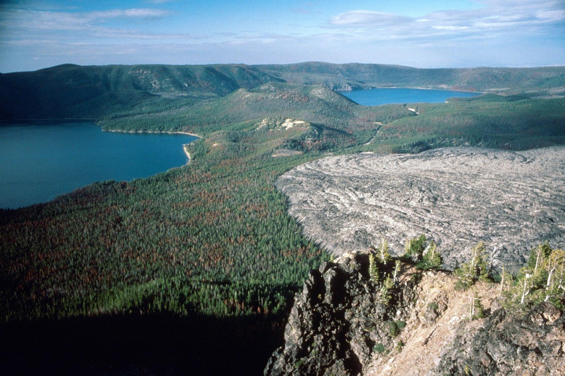 Crater Lake National Park >> Newberry Volcano - Wikipedia