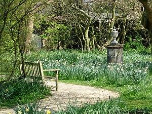 Nymans Garden-Ode to a Grecian Urn. - geograph.org.uk - 132461.jpg