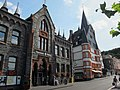 Old buildings along the Mosel river at Bernkastel-Kues. Now a tourist information center - panoramio.jpg