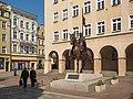 Opole - pomnik Księcia Kazimierza Opolczyka w Rynku.jpg
