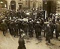 Outside Bow Street Magistrates' Court, c.1908-1914. (22910545072).jpg