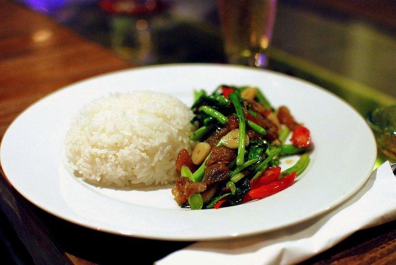 ... khana mu krop stir fried chinese broccoli with crispy pork stir fried