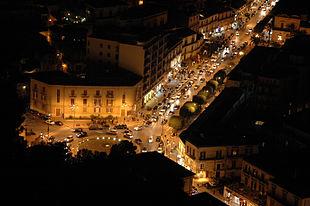 Veduta notturna di Corso Umberto I