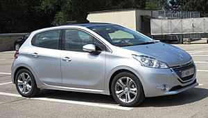 Peugeot 208 - Image: Peugeot 208 5 door on the roof
