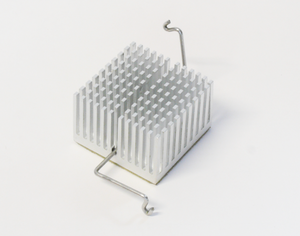 Pin fin heat sink with a z-clip