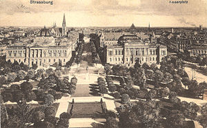 Place de la République (Strasbourg) - Center and east side of the square (then still called Kaiserplatz) around 1915, looking to St. Paul's Church and  the University palace