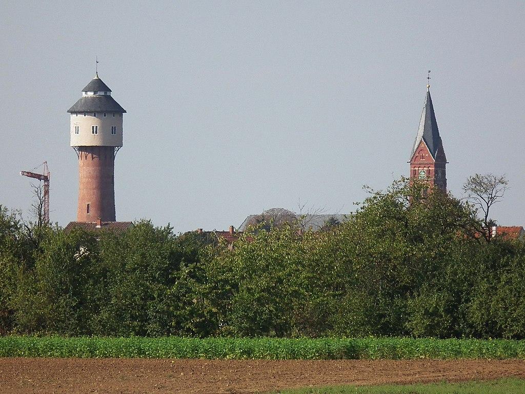Plankstadt Oktober 2011 Wasserturm Kirchturm