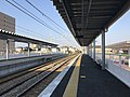Platform of Itoshima-Kokomae Station.jpg