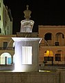 Plaza Vieja Fountain (3207894974).jpg