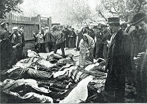Białystok pogrom - Jewish people killed by the Russian soldiers during the Białystok pogrom of 14–16 June 1906