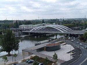 Pontoise - Image: Pont sur l'Oise