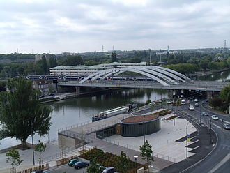Pontoise - The railway bridge between Pontoise and Saint-Ouen-l'Aumone