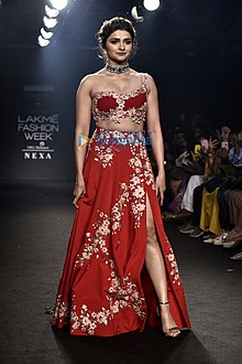 Prachi Desai graces Lakme Fashion Week 2018, Day 5 (16).jpg