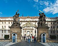Prague Castle (8347996081).jpg