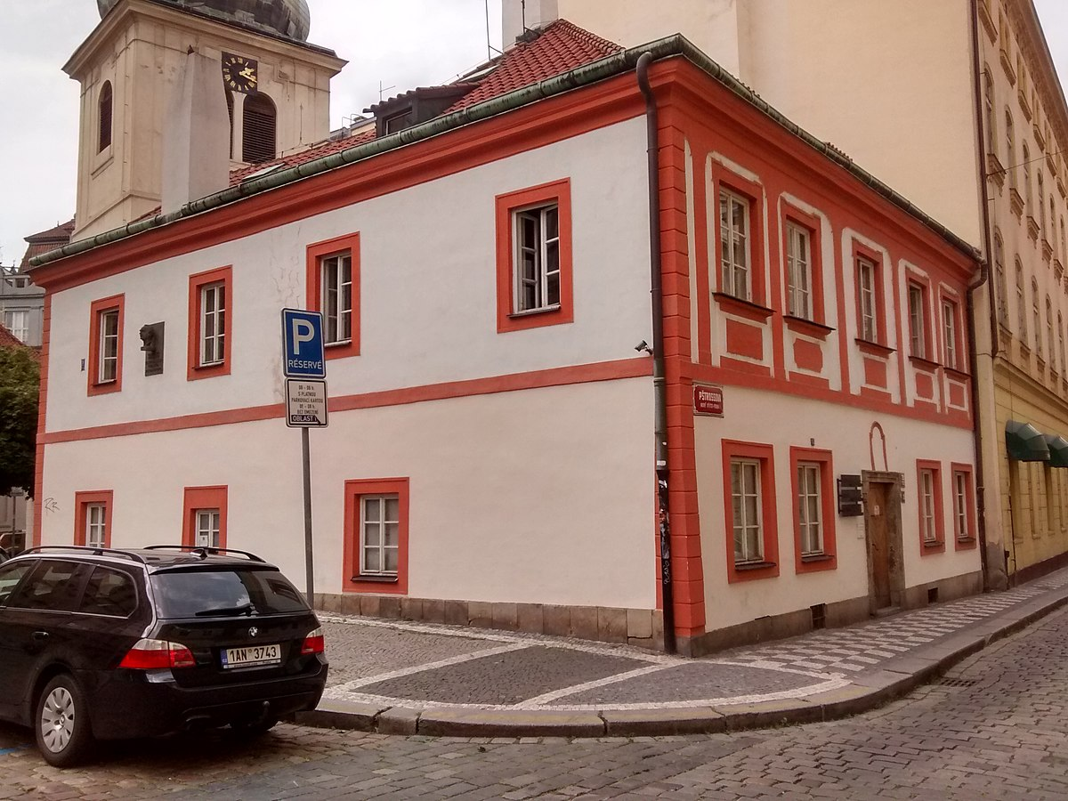 prague school The prague school or prague linguistic circle was an influential group of linguists, philologists and literary critics in prague its proponents developed methods.