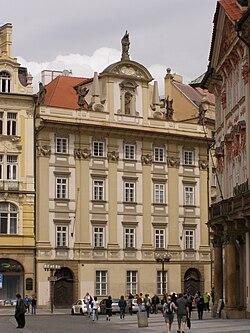 Praha, Staré Město, Staroměstské náměstí, klášter paulínů 01.jpg