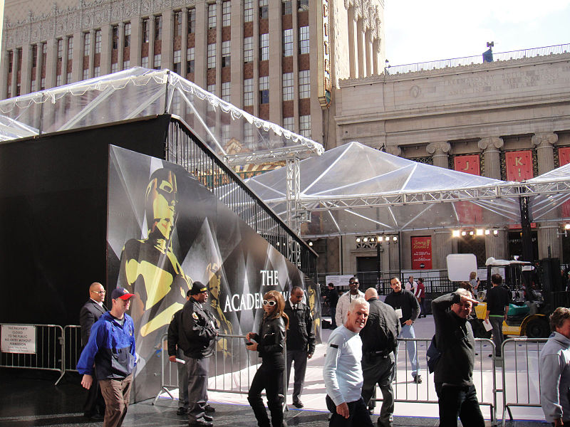 File:Preparing for the 83rd Annual Academy Awards - the main entrance (5474924435).jpg
