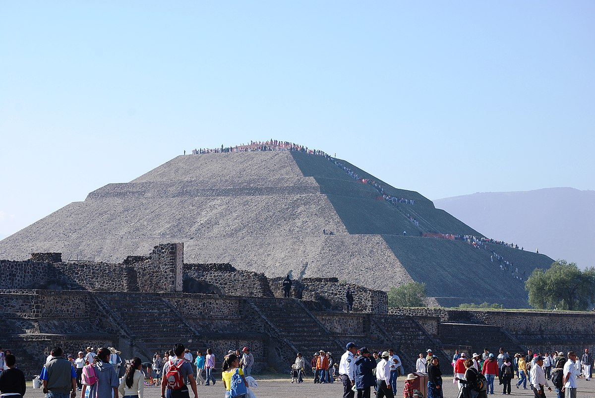 Spring equinox in Teotihuacán - Wikipedia
