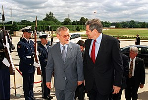 Ivica Račan - Ivica Račan with U.S. Deputy Secretary of Defense Paul Wolfowitz, 7 June 2002