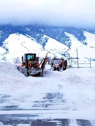Oregon Route 237 - Snow removal on Route 237
