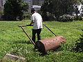 """Right usage of the hand operation leveling of ground roller, also known as """"Kondara"""".JPG"""