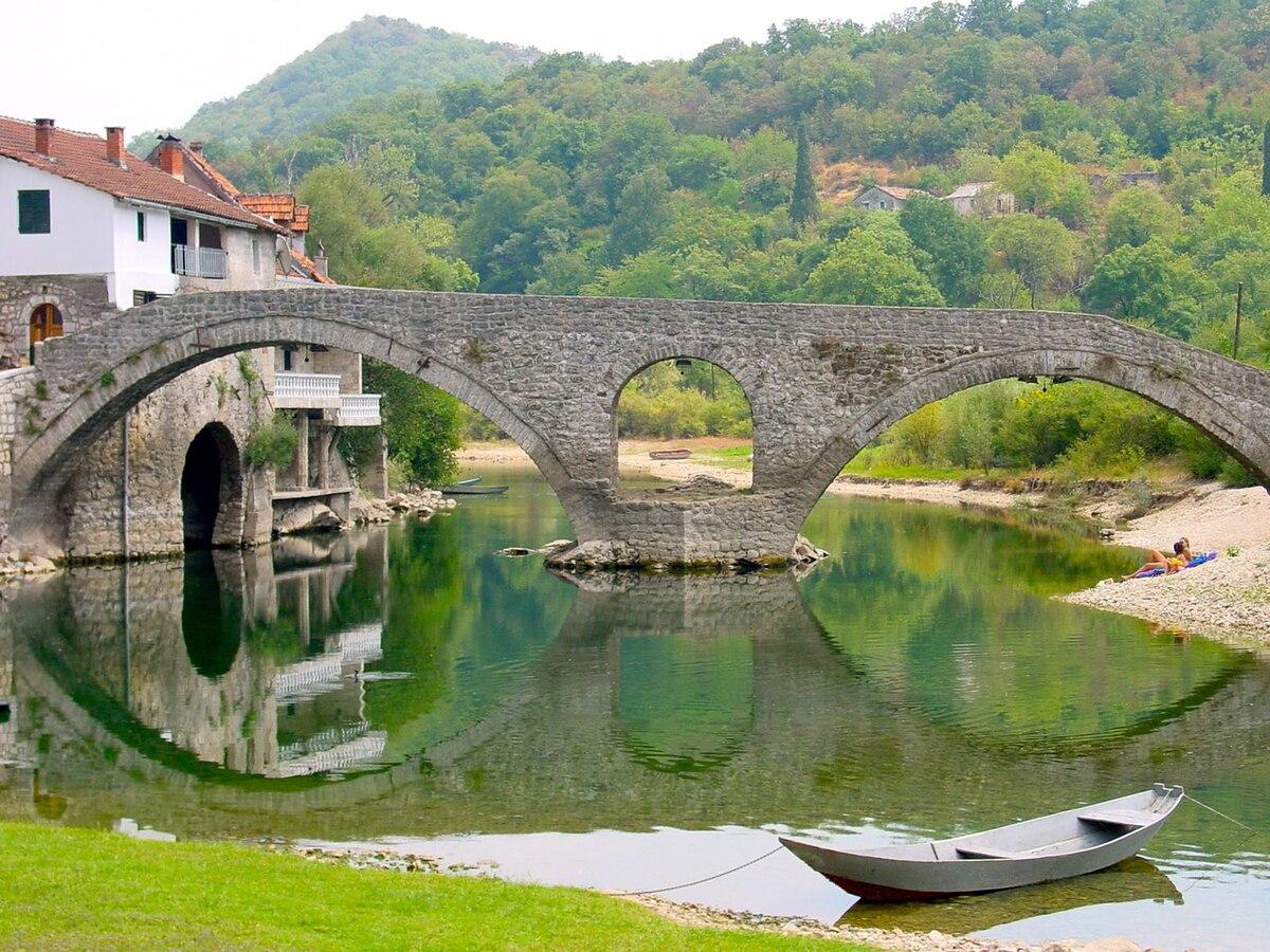 Rijeka Crnojevica – Travel guide at Wikivoyage