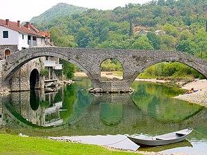 Rijeka Crnojevića - The old Rijeka Crnojevića bridge