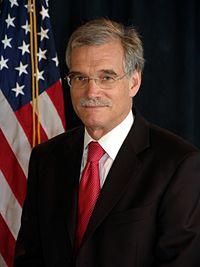Robert Groves, official Census photo portrait.jpg