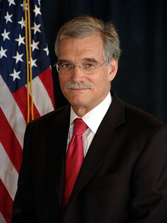 Robert Groves - Image: Robert Groves, official Census photo portrait