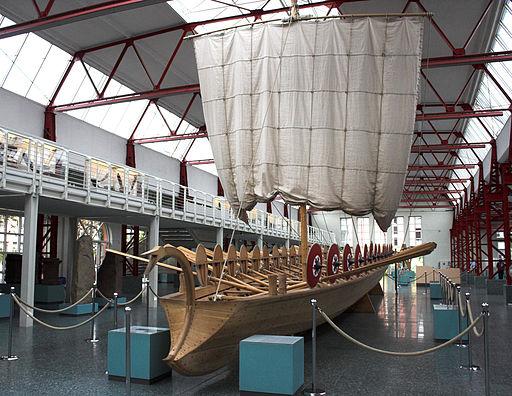 Rekonstruktion eines Römerschiffs (Museum für Antike Schifffahrt in Mainz)