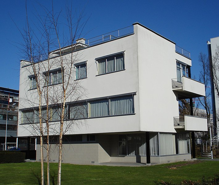 Sonneveld House Museum is a house built in the Nieuwe Bouwen style