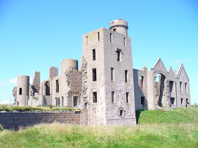 Ruined Slains Castle - geograph.org.uk - 1461044