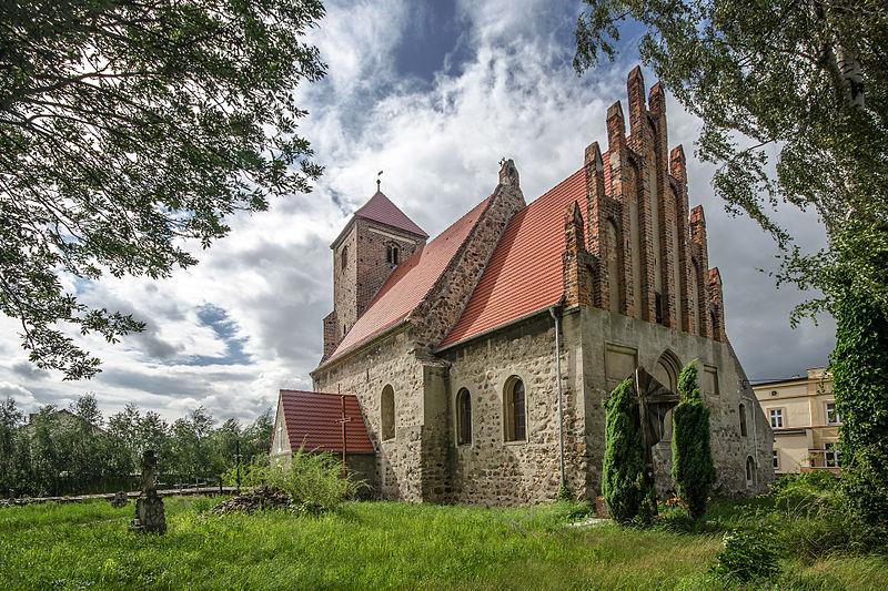File:SM Nielubia kościół św Michała Archanioła (2) ID 590947.jpg