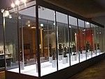 SVM - Zentrale Vitrine der Dauerausstellung Afrika.JPG