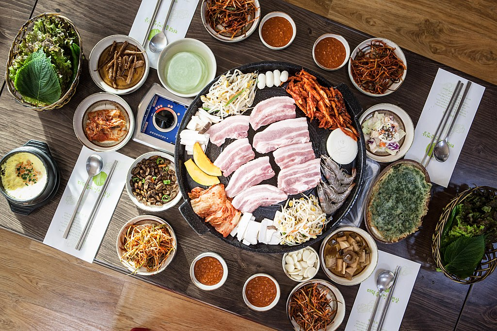 Samgyeopsal table