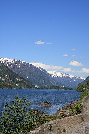 Sandvinvatnet - View of the lake