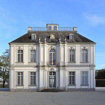 The western facade of Schloss Falkenlust