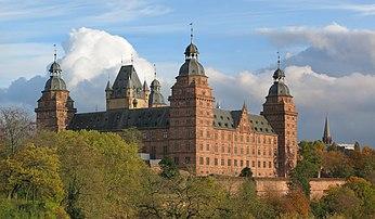 Le château de Johannisburg, en Basse-Franconie. (définition réelle 7000×4091)